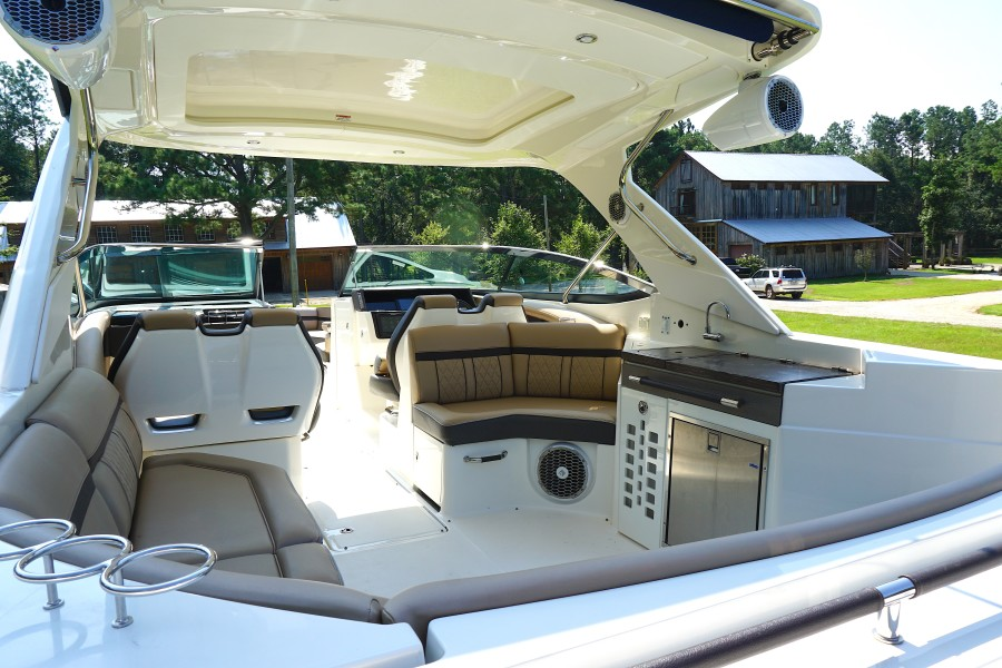 2017 35 Sea Ray 350 SLX The Angelique View From The Stern