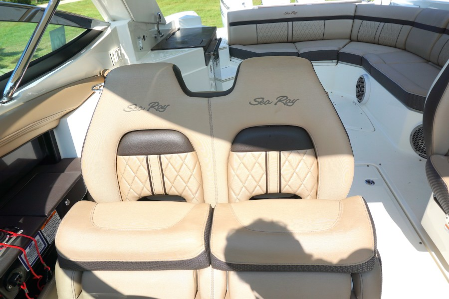 2017 35 Sea Ray 350 SLX The Angelique Co Captains Chairs (2)