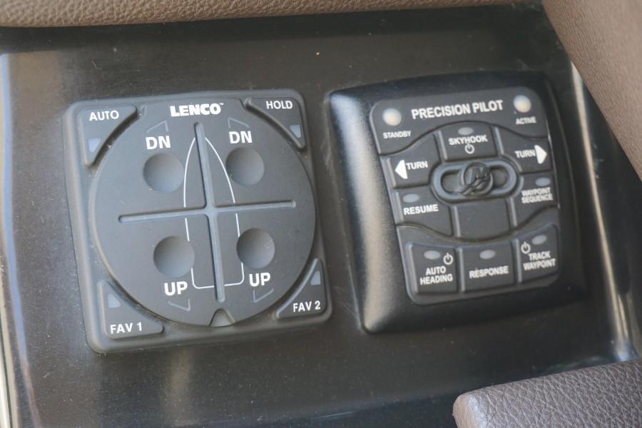 2017 35 Sea Ray 350 SLX The Angelique Sky Hook Control