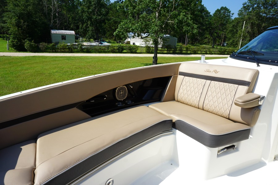 2017 35 Sea Ray 350 SLX The Angelique Stbd Bow Lounger