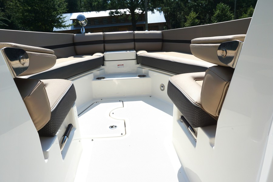 2017 35 Sea Ray 350 SLX The Angelique Bow Seating (2)