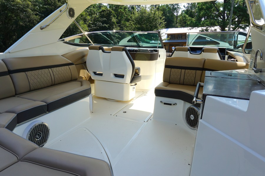 2017 35 Sea Ray 350 SLX The Angelique Aft Seating (1)