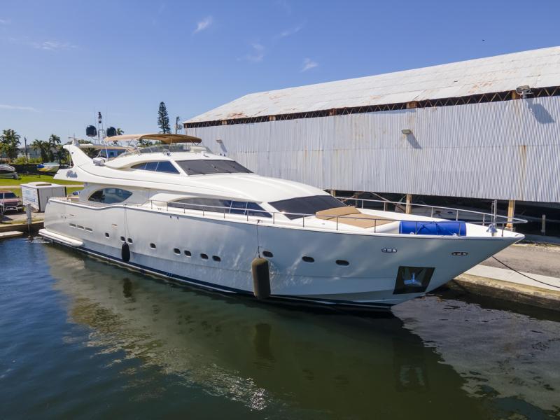 Photo of 94' Ferretti Yachts Custom Line 94 2000