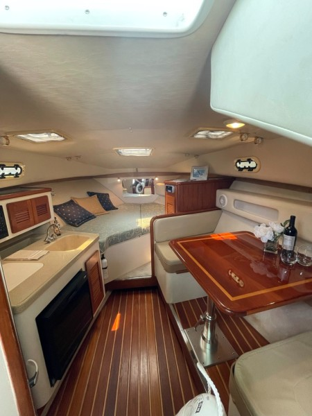2000 Pursuit 3000 Express - Lucky Dawg - Cabin