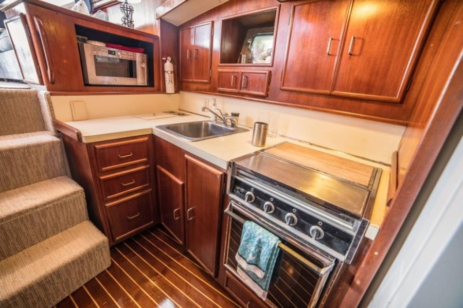 1984 43 Post Sportfish - Post-Time - Galley