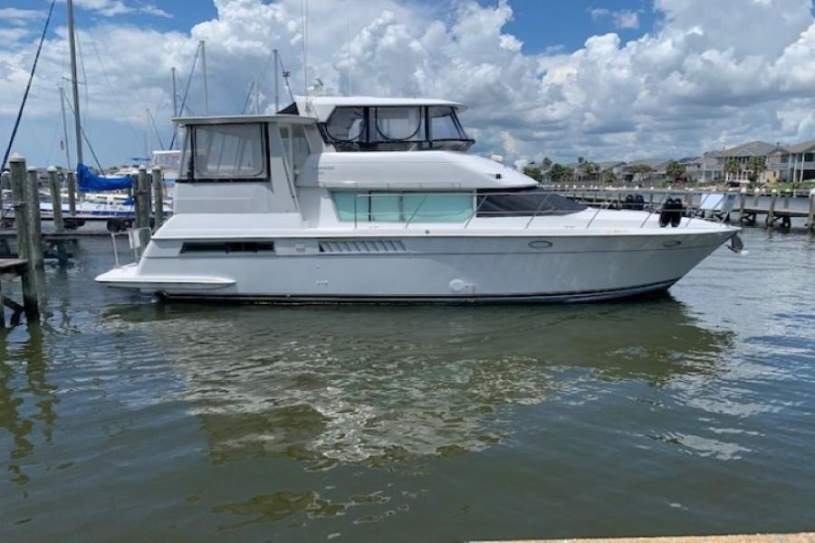 1996 46 Carver 455 Motor Yacht LA Breeze Profile