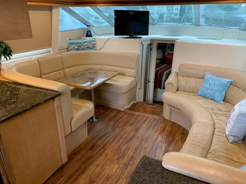 1996 46 Carver 455 Motor Yacht LA Breeze Salon (2)