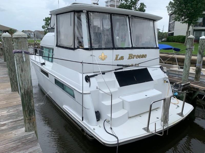 1996 46 Carver 455 Motor Yacht LA Breeze Stern