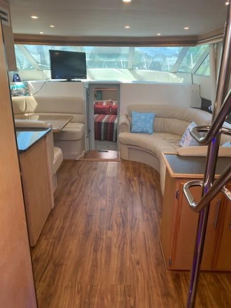 1996 46 Carver 455 Motor Yacht LA Breeze Salon (4)