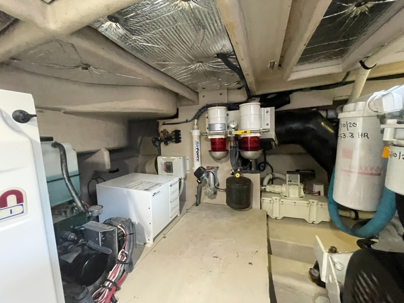 2007 52 Sea Ray Sundancer - Chillin Like Magellin - Engine Room