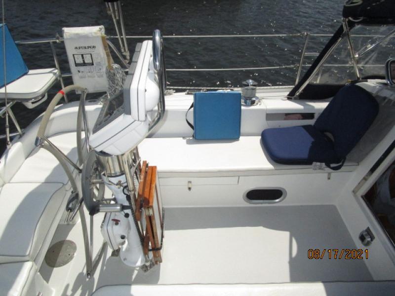 34' Catalina cockpit port