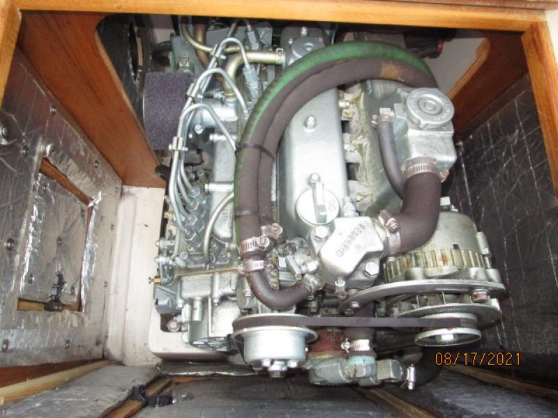 34' Catalina auxiliary2