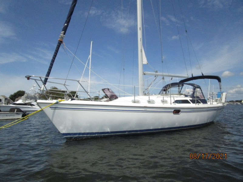 34' Catalina port forward profile