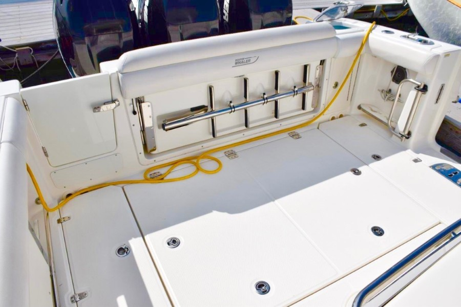 Cockpit with seats closed - swim ladder mounted