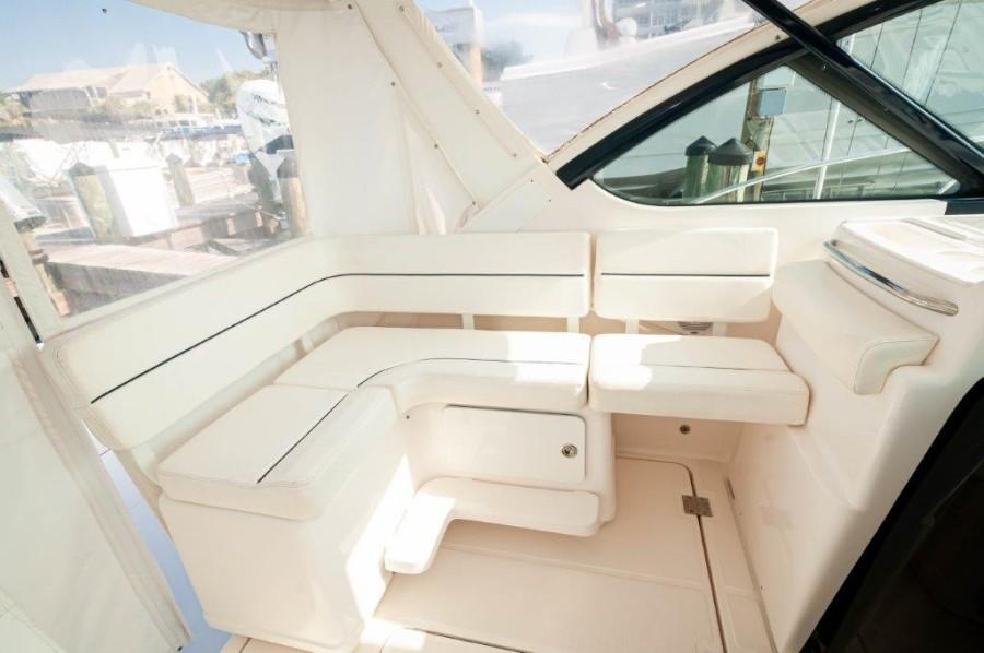 2005 Tiara 32 Open-Companion Seating