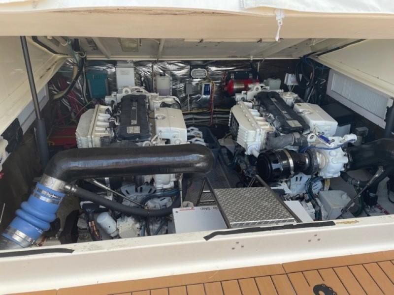 2008 36 Albemarle 360XF Kraken Engine Room (3)