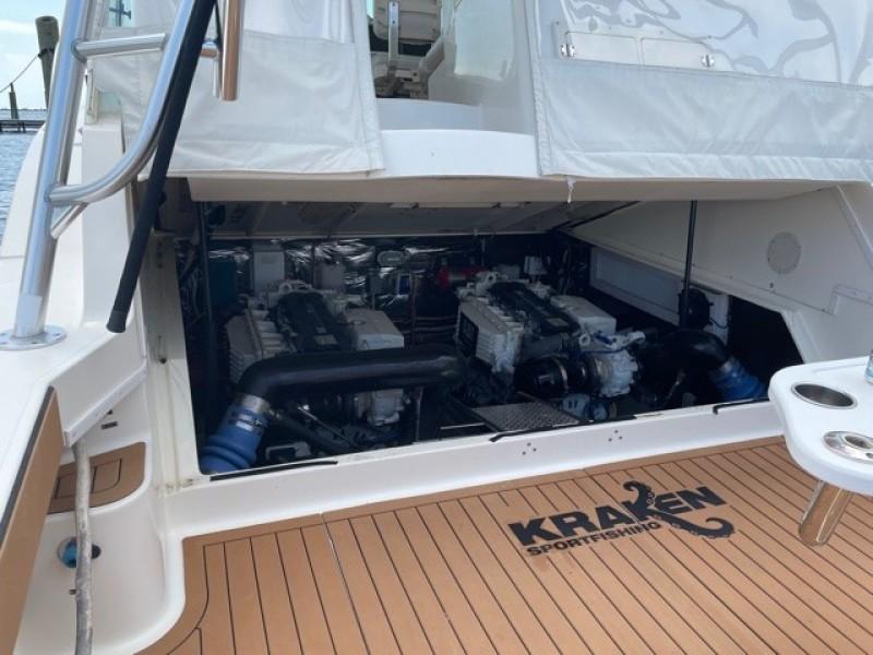 2008 36 Albemarle 360XF Kraken Engine Room (1)