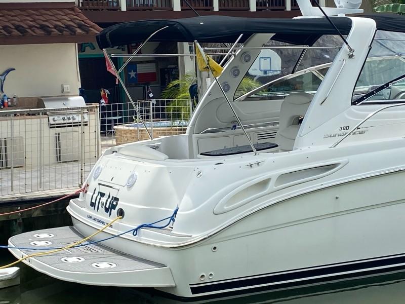 1999 Sea Ray 380 Sundancer Lit Up