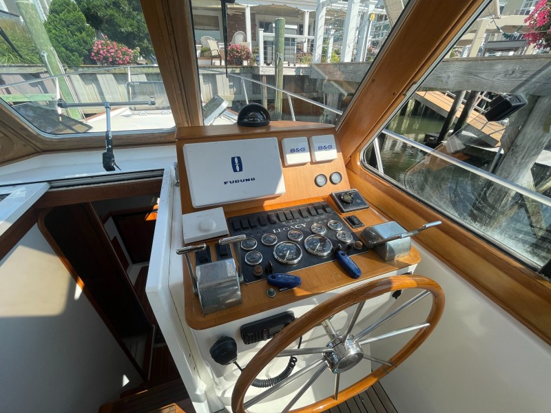Helm Dash and Cabin Entry