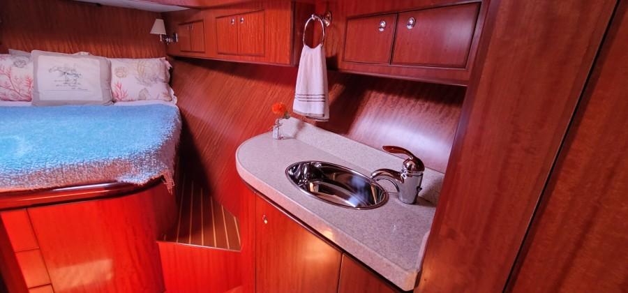 VIP Vanity & Sink