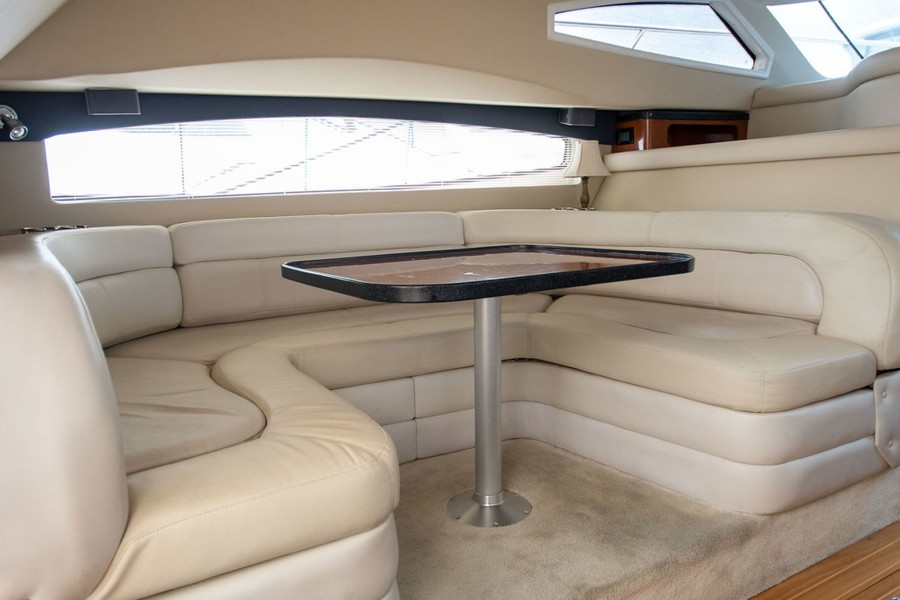 Dinette Converts to Oversize Berth