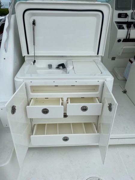 2009 30 Rampage - Mad Dogs - Tackle Storage