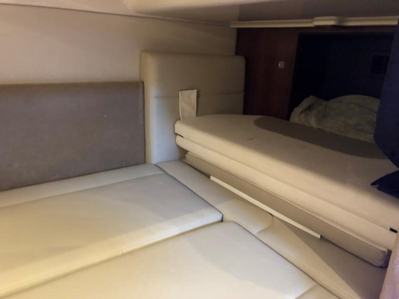 Chaparral 31- C-Scape - Cabin