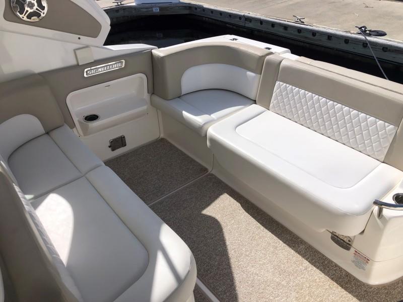 Chaparral 31- C-Scape - Cockpit Seating