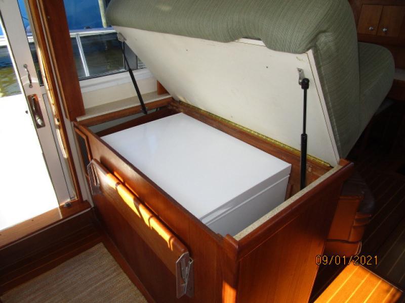 43' Mainship freezer