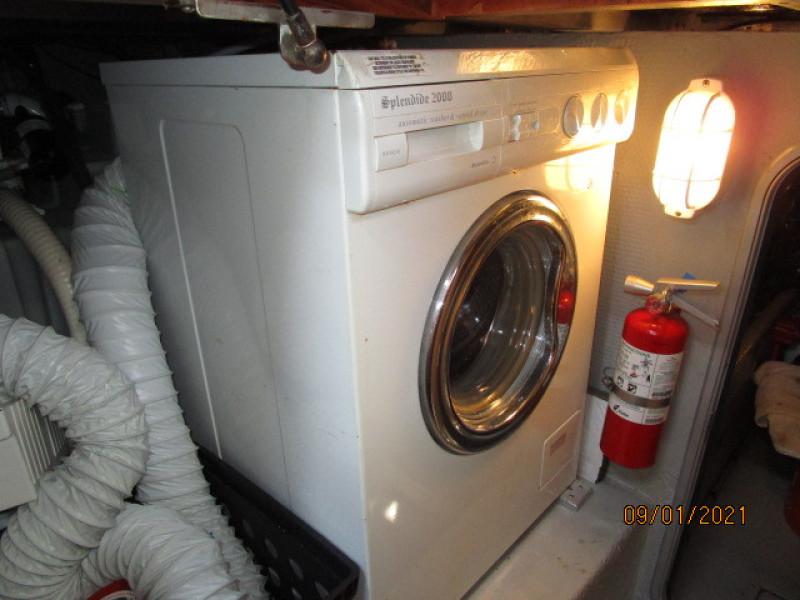 43' Mainship washer-dryer
