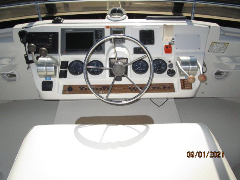 43' Mainship flybridge helm