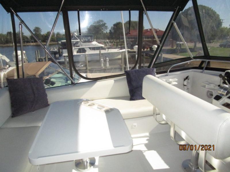 43' Mainship flybridge port