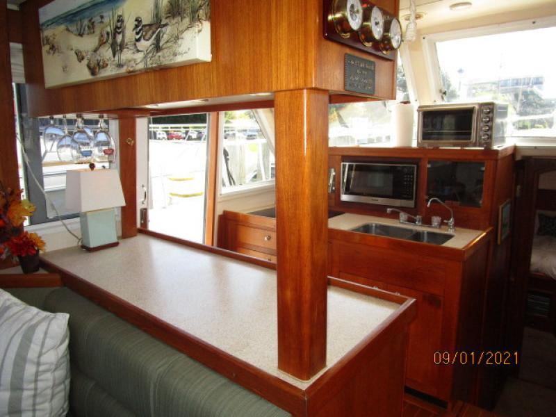 43' Mainship galley1