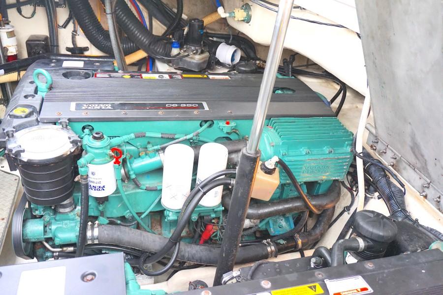 2005 37 Formula 37 PC No Name Stbd Engine (1)