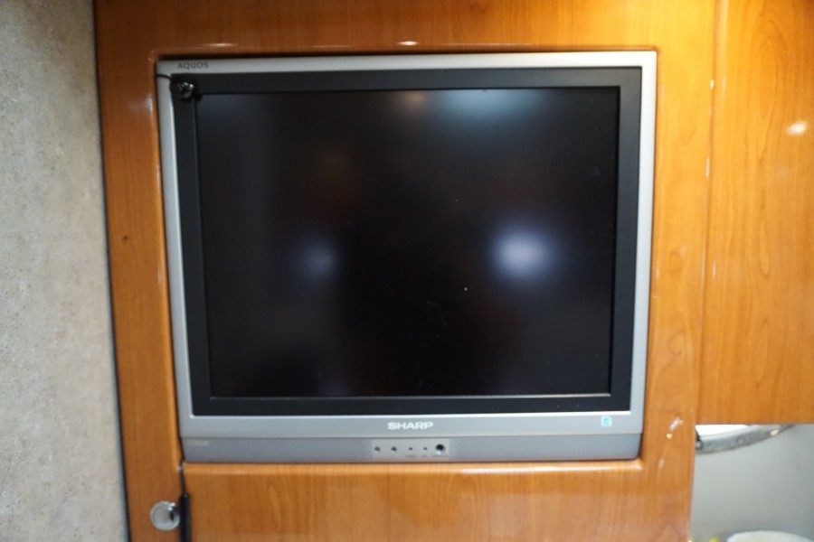2005 37 Formula 37 PC No Name Salon TV