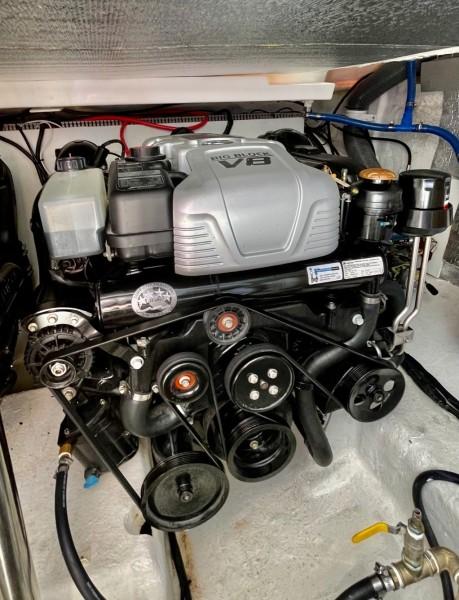 2021 Evolve 400 HT  STBD Engine