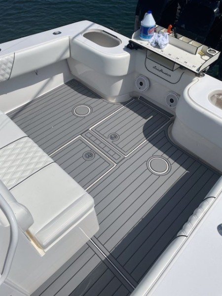 SeaHunter 37 - Lonesome Cowboy - Aft Deck