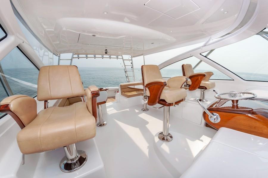 2018 Viking 48 - Helm Seating