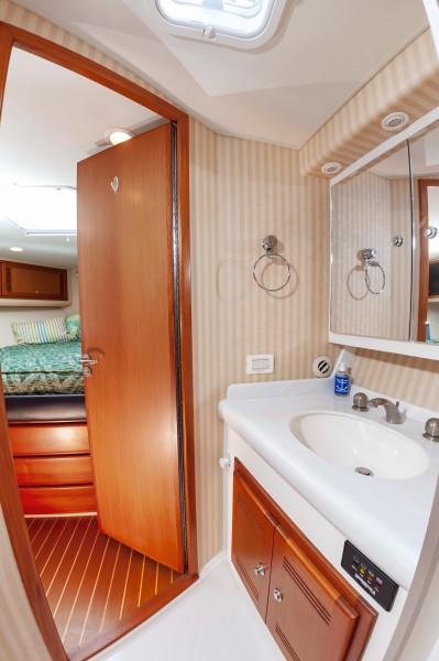 2006 Cabo Yachts 45 Express