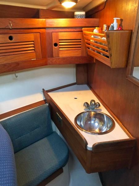 Sink, Vanity, Fwd. Cabin