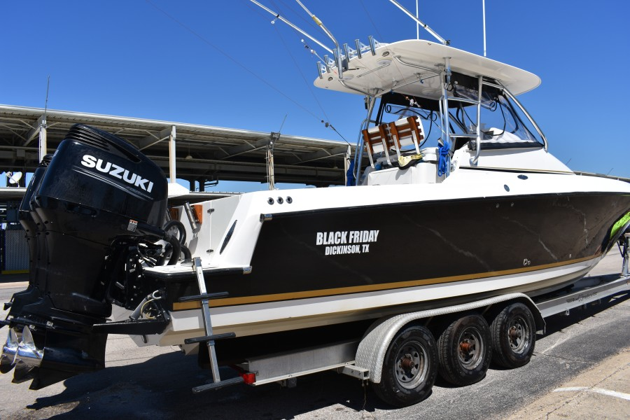 2008 Contender 35 Fish Around Black Friday