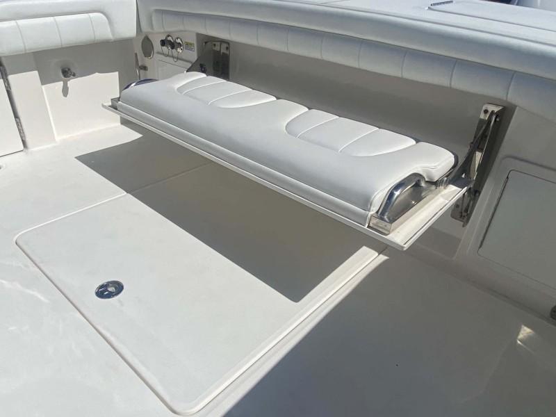 Integrated Flush Folding Transom Seat