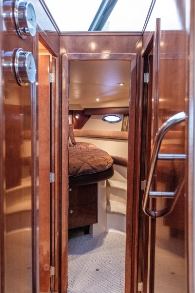 Meridian 39 - Out'n About - Master Stateroom