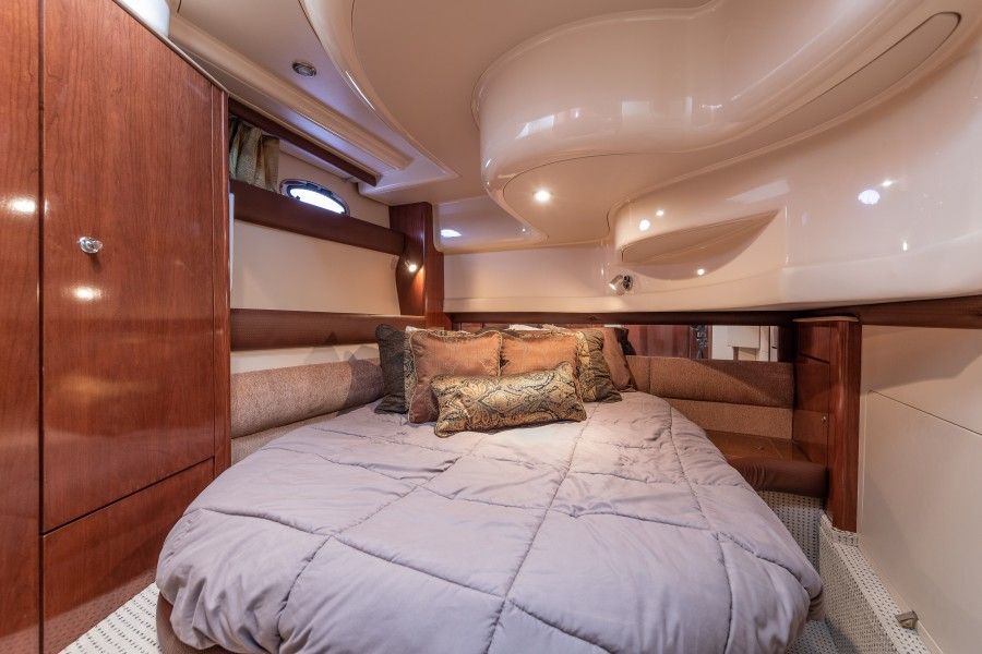 Meridian 39 - Out'n About - Guest Stateroom