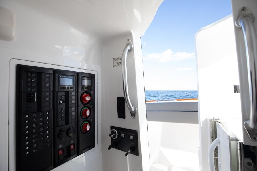Valhalla Boatworks 33 - Console Interior