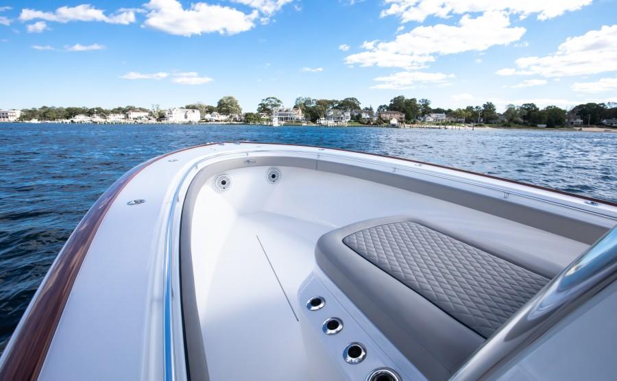 Valhalla Boatworks 33 - Forward Lounge Seating