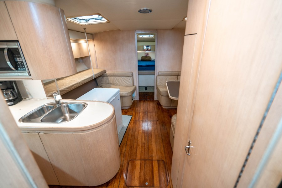 Tiara Yachts 43 - Amadeus - Entry to Cabin