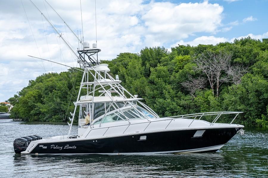 Photo of 43' SeaVee 43 Express 2010
