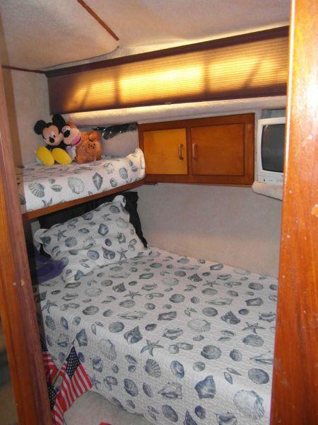 1995 Sportfish Portside Cabin