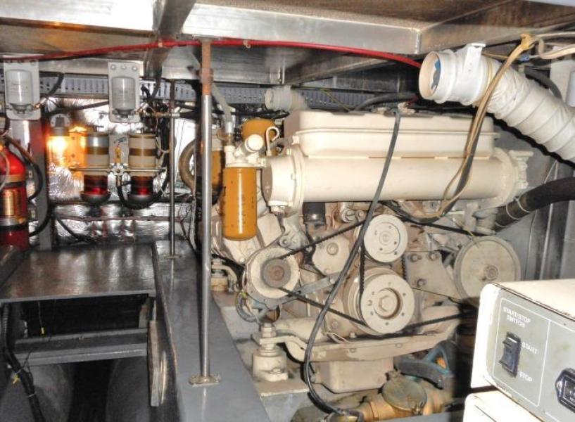 1988 Carver 4207 Aft Cabin Motor Yacht port engine